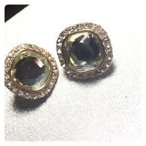 Gold trimmed diamond earrings!
